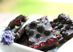 Kakao, Superfoods, Candy, Chocolate, Vegan Breakfast, Vegan Chocolate, Vegan Cake, Chocolate Candies, Vegane Rezepte