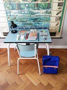 Ein Schreibtisch für