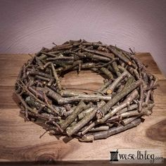 Wooden wreath ♥ I only bought so far, but why not just mac . Christmas Wreaths, Christmas Crafts, Christmas Decorations, Xmas, Hobbies And Crafts, Diy And Crafts, Wooden Wreaths, Navidad Diy, Advent Wreath