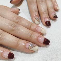 Nail Polish Strips: How to Use Nail Striping Tape with Gel Polish? Dope Nails, Bling Nails, Swag Nails, Bridal Nails Designs, Gel Nail Designs, Tape Nail Art, Gel Nail Art, Korea Nail Art, Modern Nails