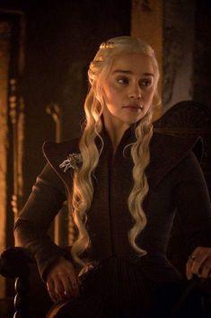 """Emilia Clarke as Daenerys Stormborn of House Targaryen in """"Game of Thrones"""" (HBO Series Winter Looks, Winter Make-up, Winter Is Here, Emilia Clarke Daenerys Targaryen, Game Of Throne Daenerys, Daenerys Targaryen Aesthetic, Valar Morghulis, Valar Dohaeris, Braids"""