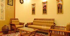 പ്രളയം, കൊറോണ; അതിജീവനത്തിന്റെ നേർസാക്ഷ്യമാണ് ഈ വീട്; കഥ ഇങ്ങനെ Dream House Plans, Small House Plans, Catholic Altar, Kerala House Design, Kerala Houses, Cute House, Traditional House, Settee, Living Room