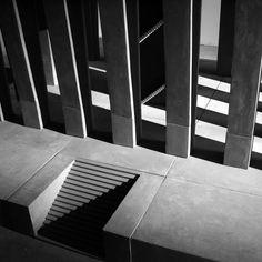 Renato Nicolodi, 2005, cement, concrete & wood  364 x 294 x 154 cm