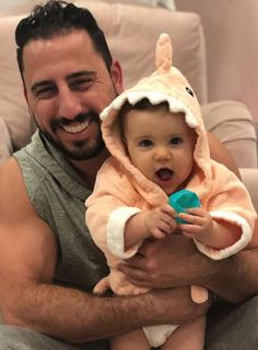 This baby shark is all ready for snack time with dad! | 10 Adorable Shark babies + A Fintastic Giveaway | Baby Aspen | #bathrobe Baby Aspen, Shark Gifts, Baby Shark, Sweet Memories, Holiday Photos, Bath Time, Little Ones, Family Photos, Baby Shower Gifts