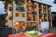 Hotel Lido - Torri del Benaco ... Garda Lake, Lago di Garda, Gardasee, Lake Garda, Lac de Garde, Gardameer, Gardasøen, Jezioro Garda, Gardské Jezero, אגם גארדה, Озеро Гарда ... Welcome to Hotel Lido Torri del Benaco, Hotel Lido is in Torri Del Benaco, 100 metres from the shores of Lake Garda, opposite the ferry terminal. It offers modern rooms with a balcony overlooking the lake or the 14th-century Scaligero Castle. The elegant rooms have wooden floors, wo