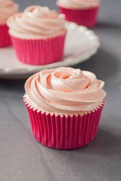 Cómo hacer cupcakes de rosa