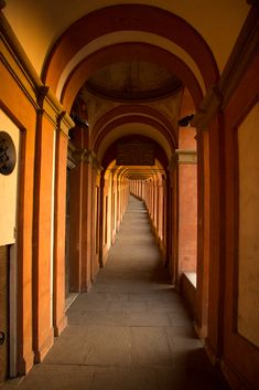 Bologna Italy, Italy News, Medieval Town, Ravenna, Italian Style, Back Home, Italy Travel, Cool Places To Visit, Beautiful Landscapes