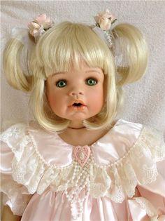 Дебютантка сайта от Monika Levenig. До 1 января скидка 5000 т.р.!!! / Фарфоровые куклы / Шопик. Продать купить куклу / Бэйбики. Куклы фото. Одежда для кукол