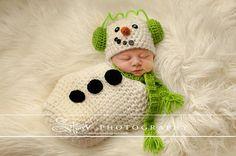 Crochet Newborn Snowman - Newborn Swaddle Sack - Newborn Scarf - Ear Muffs Snowman - Photograpy Prop - Winter Set