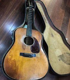 Guitar Safari — 1938 Spectacular picture by. Guitar Pics, Music Guitar, Guitar Chords, Guitar Amp, Cool Guitar, Playing Guitar, Acoustic Guitars, Vintage Martin Guitars, Vintage Guitars