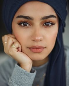 full brows Natural and polished. Glowing natural makeup inspiration ideas looks. Hair and makeup inspiration ideas. Makeup Inspo, Makeup Inspiration, Makeup Tips, Hair Makeup, Makeup Ideas, Makeup Trends, Hijab Makeup, Makeup Style, Beauty Trends
