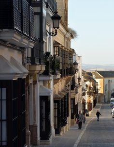 Rincones de Andalucía: calle San Pedro (Osuna, Sevilla), según dicen, una de las calles más bonitas de Europa / Places in Andalucía: San Pedro Street (Osuna, Sevilla), known as one of the most beautiful streets in Europe