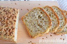 Chleb orkiszowy na drożdżach. Prosty chleb, w całości wykonany z jasnej mąki orkiszowej z dodatkiem pestek słonecznika, sezamu oraz siemienia lnianego. Bread Recipes, Banana Bread, Food And Drink, Homemade, Meals, Baking, Desserts, Lady, Brot