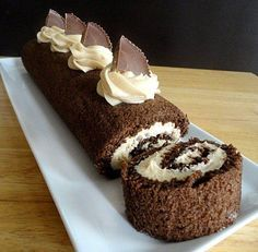 Chocolate Peanut Butter Cake Roll and many more peanut butter desserts. Chocolate Roll Cake, Chocolate Desserts, Cake Roll Recipes, Dessert Recipes, Just Desserts, Delicious Desserts, Cupcake Cakes, Cupcakes, Peanut Butter Desserts