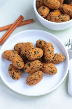 These paleo, gluten-free, dairy-free spinach sweet potato tots are the perfect healthy finger food for baby led wearing, toddlers, and big kids! Adults love them too!