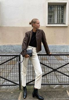 Popular in spring and elegant white pants pants,white Mode Outfits, Fashion Outfits, Womens Fashion, Looks Style, Style Me, Girl Style, Winter Fits, Cold Weather Fashion, Winter Mode