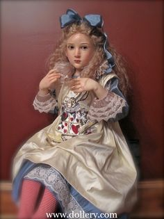 Alice in Wonderland Original Artist Dolls At the Dollery. *I cant believe this is a DOLL!*