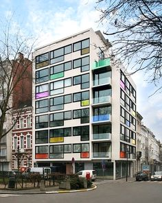 Pantone hotel in Brussels from I love Belgium.I want to stay there next time.