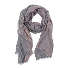 Eleganter und vielseitiger Schal aus leichter Wolle für den Herren.