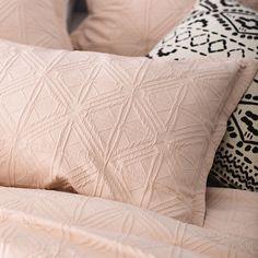 Villa Quilt Cover Blush