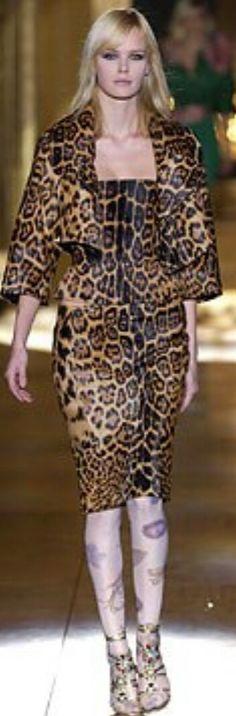 ROBERTO CAVALLI FALL 2002 READY-TO-WEAR Roberto Cavalli, Ready To Wear, Animal, Fall, Sweaters, How To Wear, Collection, Dresses, Fashion