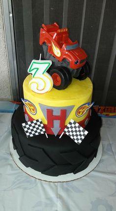 Blaze and the monster machine tire cake Torta Blaze, Bolo Blaze, Blaze Cakes, Blaze Birthday Cake, Baby Birthday, Birthday Cakes, Birthday Ideas, Blaze And The Monster Machines Cake, Tire Cake