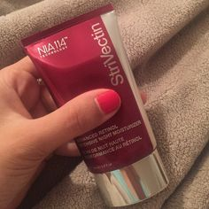 Strivectin Advanced Retinol Night Moisturizer This is a brand new unopened tube of the Strivectin Advanced Intensive Night Moisturizer. It is the 1.7 oz tube. No box as I received it in free product from my job. I will take best offer. Strivectin Other