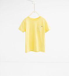 Bild 1 av T-shirt med ficka från Zara T Shirts, Tees, Zara, Fashion Catalogue, Latest Trends, Pocket, Crop Tops, Clothes, Collection