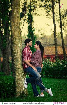 Indian Wedding Poses, Indian Wedding Couple Photography, Pre Wedding Poses, Couple Photography Poses, Pre Wedding Photoshoot, Outdoor Photography, Wedding Shoot, Photo Poses For Couples, Couple Picture Poses