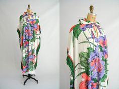 Vintage 1970s Hawaiian Caftan / Swimsuit Coverup