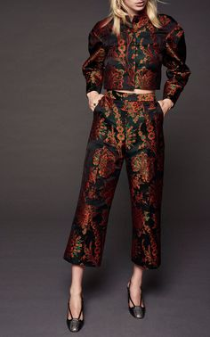 Specialty Fabrics: Jaquard full suit Floral Duchess Jacquard Blazer by Zac Posen Suits For Women, Clothes For Women, High Fashion, Womens Fashion, Fall Fashion, Designer Dresses, Ideias Fashion, Fashion Dresses, Dress Up