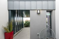 Extension Moderne Extension, Garage Doors, Outdoor Decor, Room, Design, Furniture, Home Decor, Modern, Bedroom