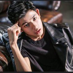 Park Solomon (박솔로몬) - Picture @ HanCinema :: The Korean Movie and Drama Database Handsome Korean Actors, Handsome Boys, Love Park, Solomon, K Idols, Jon Snow, Actors & Actresses, Kdrama, Parks