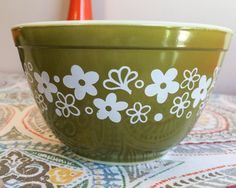 Vintage 1970's 1.5 Pint Size Crazy Daisy Spring Blossom Pattern Pyrex Nesting Bowl by GinchiestGoods on Etsy