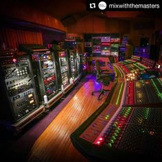 #Repost @mixwiththemasters with @repostapp #MichaelBrauer 's room at…