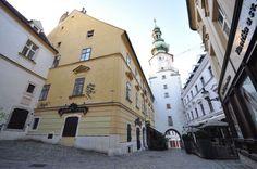 Michael's Gate, Bratislava - by Jorge Láscar:Flickr
