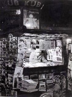 France. Kiosk,  Paris, 1930-32 // George Brassai