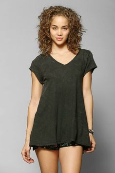 Ecote Daphne Swingy Tee #urbanoutfitters