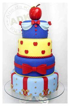 SNOW WHITE CAKE Birthday Cake snow white blanca nieves manzanas enanos ideas apples dwarfs once upon a time ouat