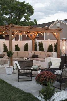 Ultimate Deck And Patio Area Retreat For Easy Living – Outdoor Patio Decor Small Backyard Patio, Backyard Patio Designs, Outdoor Pergola, Backyard Pergola, Pergola Plans, Backyard Landscaping, Outdoor Decor, Patio Ideas, Pergola Ideas