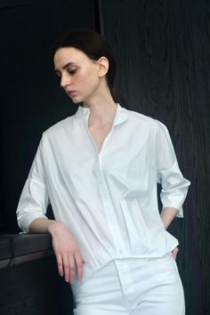 Be anything but ordinary this summer fashion season for 2021 in our Pleat Hem Kimono Shirt. Made in our Italian Cotton Nylon with a touch of metal yarn, this top has an attitude all of its own. Perfect for your post-quarantine travel outfit, pair with our Cotton Nylon bottoms or with your favorite denim for a quick breezy look. This summer button up shirt adds a touch of flair to your next travel outsit too! Shop more summer style for 2021 at KAL RIEMAN. European Fashion, Modern Fashion, Timeless Fashion, Travel Outfit Summer, Summer Outfits, Kimono Shirt, Classic Wardrobe, Tailored Shirts