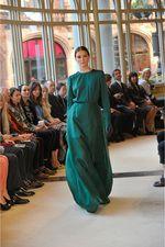 Emilia Wickstead Fall 2013 Ready-to-Wear Collection Photos - Vogue Modesty Fashion, Hijab Fashion, Runway Fashion, Fashion Show, Fashion Outfits, Fashion Design, London Fashion, British Fashion, Fashion Trends