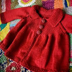 Ila Sweater no pattern Baby Knitting Patterns, Crochet Baby Dress Pattern, Baby Dress Patterns, Knitting For Kids, Knitting Stitches, Knit Baby Sweaters, Knitted Baby Clothes, Baby Coat, How To Purl Knit