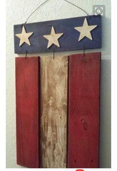 Wood Pallet Projects Rustic Wood Patriotic Flag Sign from repurposed materials (Barn Wood, Fence, Pallet). Arte Pallet, Pallet Flag, Pallet Art, Diy Pallet Projects, Pallet Ideas, Woodworking Projects, Pallet Wood, Wood Flag, Wood Ideas
