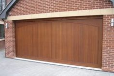 When To Turn To A Pro For Garage Door Repair Glastonbury