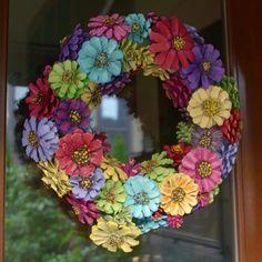 DIY Pinecone Dahlia Wreath - Watch or Download | DownVids.net