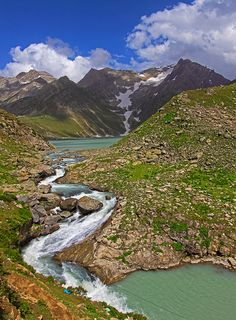 Glacial stream from Sheshnag Lake, at 3590m altitude in Kashmir Valley, India