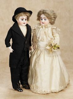 De Kleine Wereld Museum of Lier: 204 Pair,German Bisque Dolls by Kuhnlenz as Bride and Groom