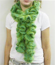 Positively Crochet!: Ruffled Scarf - Free Pattern