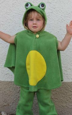 super cuddly fleece cape with hood for children frog    washable one size    center back length 48 cm - 18,9 inch  wearable from about 86 - 33,9 inch